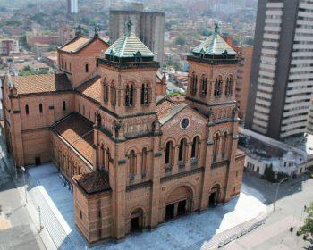 Medellin-City-Tour-catedral-metropolitana