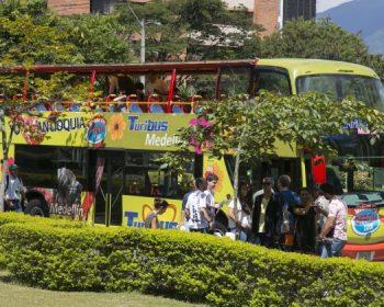 Medellin-Friends-Vacation-Colombia-07-1-o753u2tt661we5htcayg4ccck0oq6upx6qwyjhj8tk