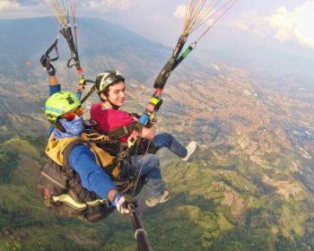 Medellin-paragliding-tour-02