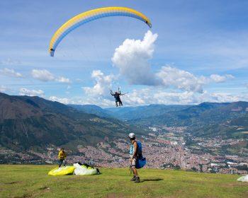 Medellin-paragliding-tour-04